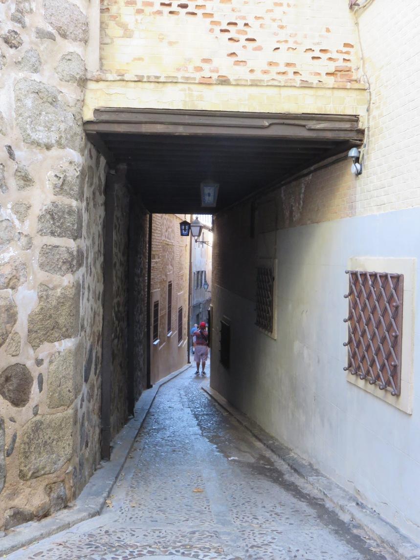 narrow-streettoledo
