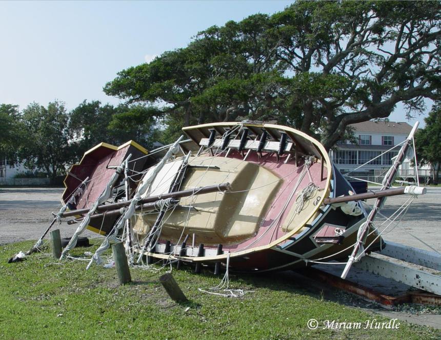 abandoned-boat-1