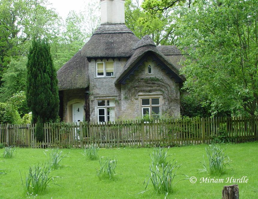 2017.04.03 Longleat cottage