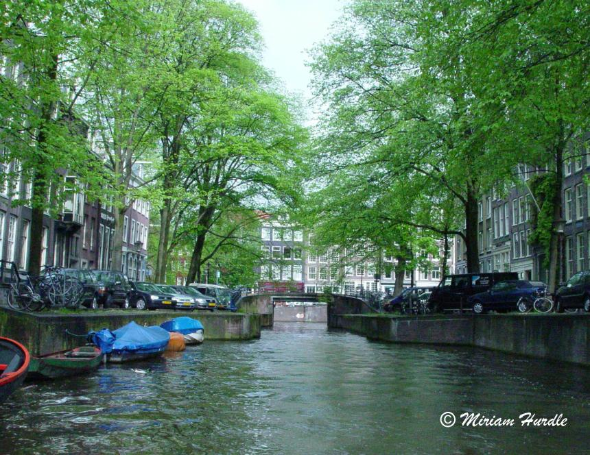 canal amsterdam 1