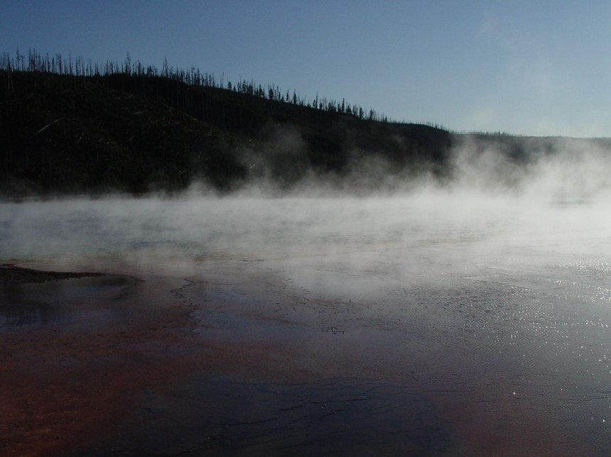 4.Yellowstone hot spring
